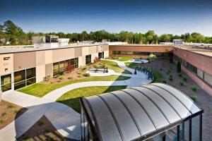 Centerpoint Hospital outdoor courtyard